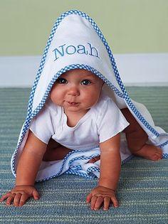 sweet monogrammed bath towels http://rstyle.me/n/t94dmr9te