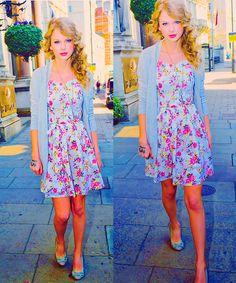 Taylor Swift Dainty Fashion Style  www.thedaintydoll.blogspot.com