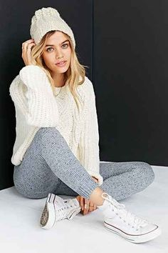 5 Ways to Style a Chunky Knit Sweater: How to wear this fall style without overwhelming your frame