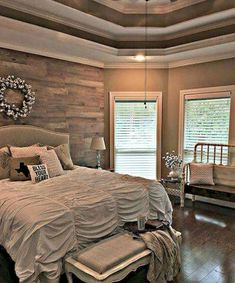 Gorgeous 80 Relaxing Master Bedroom Decor Ideas https://roomadness.com/2018/01/01/80-relaxing-master-bedroom-decor-ideas/