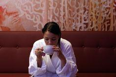 Tea-Lounge, nach dem Bad einen heissen Tee geniessen. Massage, Spa, Lounge, Selfie, Beauty, Air Fresh, Airport Lounge, Beleza, Lounges
