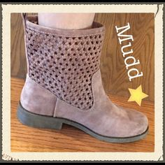 SALEMUDD Year 'Round Ankle Boots 7, 8 MUDD taupe ankle boots in super soft faux suede. The perforated woven shaft is such a fun and unique touch. Wear with or without socks all year long. Pull tabs for easy on/off and rubber bottom sole provides good traction. Brand NEW Size 7 & 8⭐️ Mudd Shoes Ankle Boots & Booties