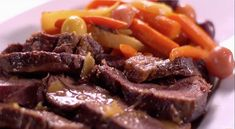 Martha cooks up a tender pot roast, which can be made using beef brisket, bottom or top round, or a chuck eye roast and a mirepoix of veggies. Pot Roast Gravy, Beef Pot Roast, Pot Roast Recipes, Beef Recipes, Cooking Recipes, Roast Brisket, Braised Beef, Game Recipes, Recipies