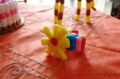 Tante piccole idee realizzate: Costruire con i mattoncini ecologici: il fiore