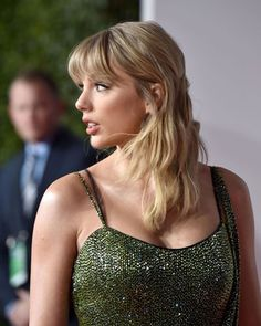 Taylor Swift Fan Club, Taylor Swift Hot, Taylor Swift Pictures, Celebrity Babies, Beautiful Celebrities, Queens, Celebs, Hair, Song Artists