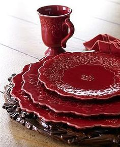 Andrea by Sadek - Dinnerware - Woodland Toile & Winterberry: Start a new holiday tradition this year with a gorgeous dinnerware look that mixes berries, florals and toile in ivory and the richest, deepest red. Marsala, Red Cottage, Red Kitchen, Kitchen Ware, Dinnerware Sets, French Country Decorating, Tablescapes, Red And White, Tableware