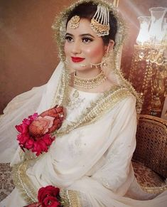 Great Totally Free Bridal Dresses eastern Ideas No matter whether you happen to be daydreaming of marriage ceremony dress due to the fact you were 5 Asian Wedding Dress Pakistani, Pakistani Bridal Makeup, Bridal Mehndi Dresses, Bridal Dress Design, Bridal Outfits, Nikkah Dress, Shadi Dresses, Pakistani Dresses, Indian Bridal