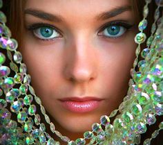 blue? green?  TEAL - how bout using your eyes as an OvCa tool?