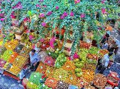 Bunter Markt auf Madeira - zu sehen auf unserer neuen Madeira-Wanderreise auf www.itravel.de