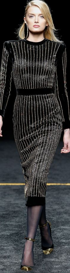 Black Gold Fashion Balmain [Fall RTW ♔ Paris Fashion Week ♔ THD Balmain really gives me life - Literally. Fashion Week, Runway Fashion, High Fashion, Fashion Show, Fashion Looks, Womens Fashion, Fashion Design, Paris Fashion, Fashion 2015