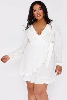 5d3946ae18f9e 17 Best Dresses for Spring. images | Revolve clothing, Dresses, Dress in