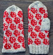 Ravelry: Rose mitts/Rosiga vantar pattern by Ann Linderhjelm