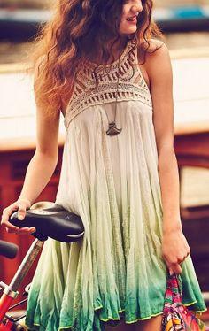 Gorgeous flowy trapeze shape mini dress