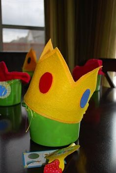 how to make crowns and mario hats for super mario birthday party!!