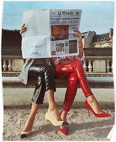 Fashion photography ideas two girls friends pictures holding a newspaper high fa… – fashion editorial photography High Fashion Photography, Fashion Photography Inspiration, Editorial Photography, Photography Poses, Vintage Photography, Creative Photography, Fashion Fotografie, Reading Posters, Reading Art