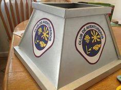 Altar con los logos de Aventureros