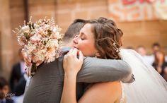 Ramo preservado NOVELLE , Foto: PEPE Fotógrafos Wedding Dresses, Fashion, Bouquets, Wedding Gowns, Flowers, Bride Gowns, Moda, La Mode, Weding Dresses