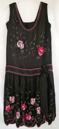 vtg 1920s art deco amazing beaded silk flapper gatsby dress with scalloped hem and velvet bows