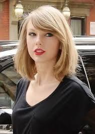 taylor swift hair - Google Search Medium Hair Cuts, Short Hair Cuts, Medium Hair Styles, Short Hair Styles, Taylor Swift Short Hair, Taylor Swift Haircut, Bob Hairstyles 2018, Short Black Hairstyles, Long To Short Hair