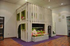 kinder spielhaus paletten bauen zwei etagen anregung