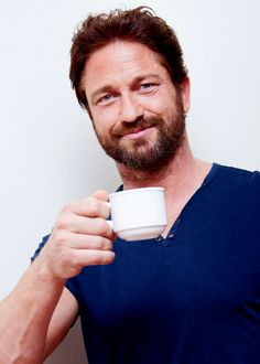 Oh Yeah, Gerard Butler!  Wants you for tea LOL@durinheir  @glaw01