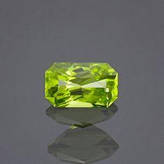 Radiant Lime Green Peridot Gemstone from Arizona by KosnarGemCo