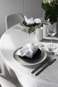Festlige anledninger står i kø i månedene fremover og her får du seks enkle tips til hvordan du bruker linservietter i borddekkingen.