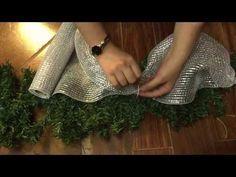 Como hacer un moño en tull para navidad//How to make a tulle bow at Christmas - YouTube