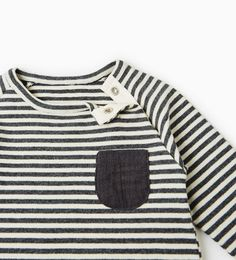 Image 3 of STRIPED TOP WITH POCKET from Zara