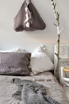 Love this look! You can find washed linen bedding at: http://www.naturalbedcompany.co.uk/shop/bedding/linen-bedding/
