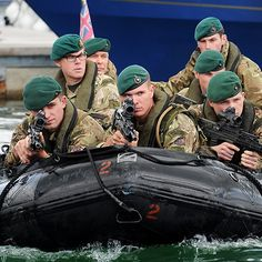 Joining the Royal Marines Reserve means being a part-time soldier but a fully trained Commando. You'll be part of the world's most elite amphibious force, ready to deploy anytime, anywhere – and who stop at nothing. British Royal Marines, British Armed Forces, British Soldier, British Army, Sas Special Forces, Special Ops, Royal Marines Reserve, Marina Real, Green Beret