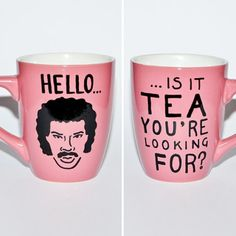 is it tea you're looking for? Lionel Richie mug - Design Intuition Hello Is It Tea You're Looking For? - Lionel Richie Mug Cute Mugs, Funny Mugs, Funny Coffee, Tassen Design, Coffee Cups, Tea Cups, Coffee Talk, Lionel Richie, Diy Inspiration