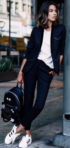 Casual suit with trainers and white tee
