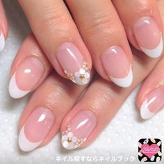 French nails with flowers
