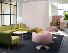 The D'Urso Swivel Lounge strikes a playful balance between utility and whimsy, bringing a modern twist to the cocktail lounge seating category that is perfect for today's more relaxed workplace or hospitality setting   Knoll