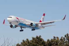 """Austrian Airlines Boeing 767-3Z9/ER OE-LAW """"China"""" on final approach to Toronto-Pearson, March 2014. (Photo: Mohammed Zaheer)"""