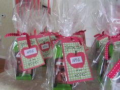 Apple Juice Valentines for classroom Valentine Day Boxes, Valentines Day Treats, Valentines For Kids, Valentine Crafts, Valentine Ideas, School Holidays, Happy Holidays, Holiday Fun, Holiday Ideas
