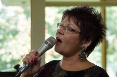 Voice in tune: Singing, teaching jazz vocals drives Vicky Mountain Jazz, Singing, Mountain, David, Teaching, Jazz Music, Education, Onderwijs, Learning