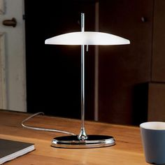 Bankerlampe, Tischleuchte Studio TL2 chrom Retro Vintage, Vintage Stil, Look Vintage, Studio Table, Living Room End Tables, Glass Diffuser, Table Lamp Sets, Shape Coding, Diffused Light