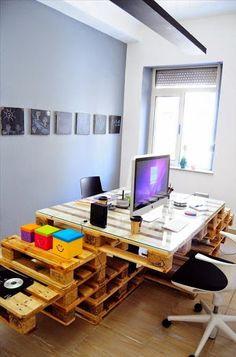 Zona de trabajo montado con palets.