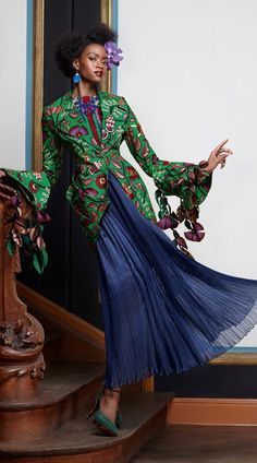 """Vlisco's New Collection – """"Splendeur"""" Ankara. African Inspired Clothing, African Print Fashion, Africa Fashion, Ethnic Fashion, Fashion Prints, Kids Fashion, Womens Fashion, African Prints, Fashion Styles"""