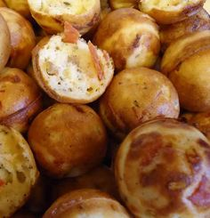 Unique Party Food to Go: Babycakes Pizza Poppers - i would change bisquik for carbquik - to keep the (pizza) ball rolling. Babycakes Cupcake Maker, Babycakes Recipes, Yummy Appetizers, Appetizer Recipes, Popcake Maker, Baby Cakes Maker, Pizza Poppers, Baby Food Recipes, Cooking Recipes
