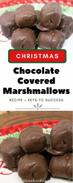 Chocolate Covered Marshmallows are a super easy holiday treat that takes only a few minutes to put together. You can dress them up with holiday-colored sprinkles or leave them plain. These are a kid-favorite! | Christmas Candy Recipes | Chocolate Covered Marshmallows Christmas | Homemade Chocolate Covered Marshmallows Recipe | Easy Christmas Treats | #Marshmallows #Chocolate #Christmas #Recipes Easy Christmas Candy Recipes, Christmas Candy Gifts, Easy Christmas Treats, Holiday Snacks, Christmas Sweets, Christmas Baking, Holiday Recipes, Christmas Kitchen, Christmas Eve