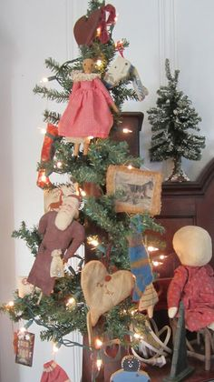 Back to Larkrise: My Primitive Country Christmas in California