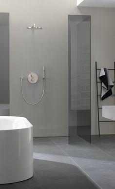 GROHE SmartControl is the innovative shower control for your individual needs. Your Shower. Your Turn. Modern Room, Modern Bathroom, Minimalist Design, Modern Design, Design Ideas, Design Inspiration, Higher Design, Modern Interior, Minimalism