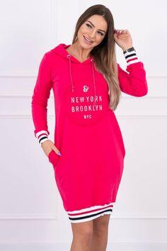 Športové šaty s kapucňou vo farbe fuchsiovej, potlač Brooklyn Brooklyn Nyc, New York, Sweaters, Dresses, Products, Fashion, Vestidos, Moda, New York City