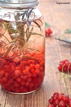 Currant Recipes, Tropical Fruit Salad, Ginger Syrup, Party Finger Foods, Everyday Food, Soul Food, Food Inspiration, Vinegar, Pickles
