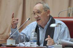 """Risso: """"El gobierno no se anima a dar el debate por la mineria"""" http://www.ambitosur.com.ar/risso-el-gobierno-no-se-anima-a-dar-el-debate-por-la-mineria/ El presidente del bloque de diputados radicales en la Legislatura, Roberto Risso, dijo en la sesión de este martes que el proyecto de zonificación minera que incluye un mapa ambiental y que fue presentado por el diputado del FPV, Vicente Jara, en realidad fue elaborado por el gobierno para promover"""