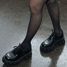 Rory Gilmore, Gilmore Girls, Cute Shoes, Me Too Shoes, Boarding School Aesthetic, Estilo Ivy, Moda Aesthetic, Aesthetic Shoes, Private School Girl