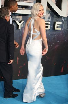 "Jennifer Lawrence at the premiere of ""X-men: Apocalypse"" in London, 2016."